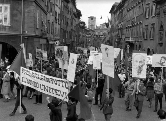 IL LUNGO 68 IN ITALIA E NEL MONDO